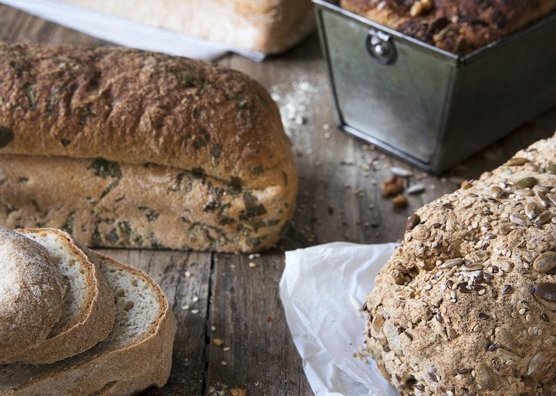 En glutenfri grunddeg –fem olika bröd.