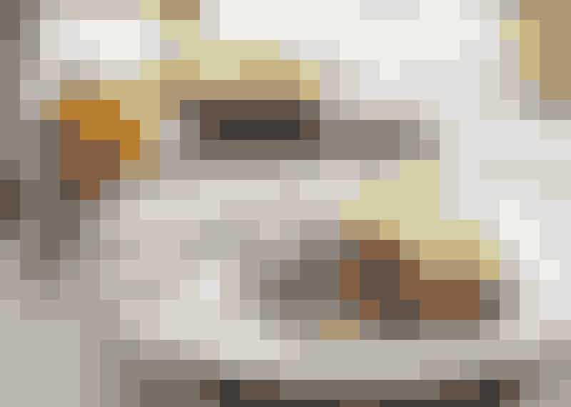 Färsbiffar i svampsås med rårörda lingon