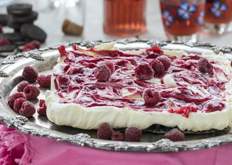 Fryst cheesecake med hallon och oreos