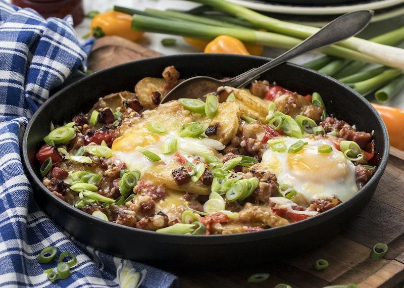 Gratinerad baconpytt med ägg.