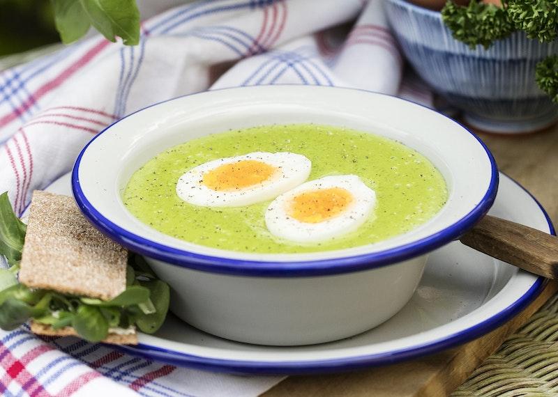 Krämig soppa på färsk spenat.