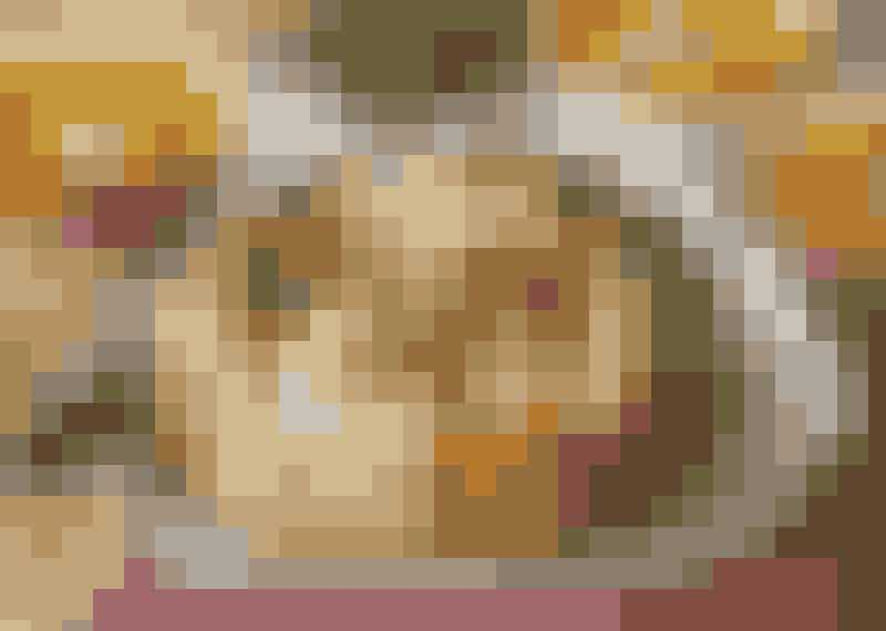Ostfyllt brytbröd med paprikasoppa