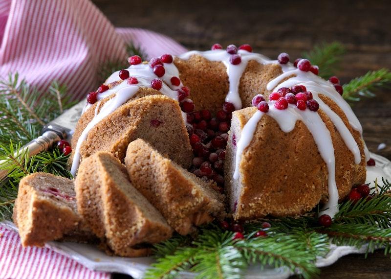 Saftig mjuk kaka med julkryddor och äpple