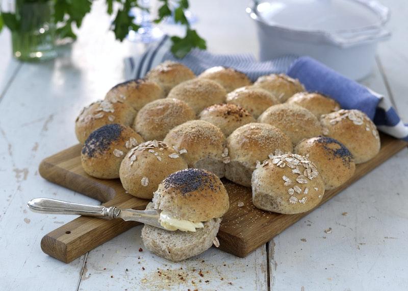 Saftigt brytbröd med surdeg och råg