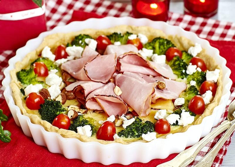 Skinkpaj med broccoli, chèvre och nötter