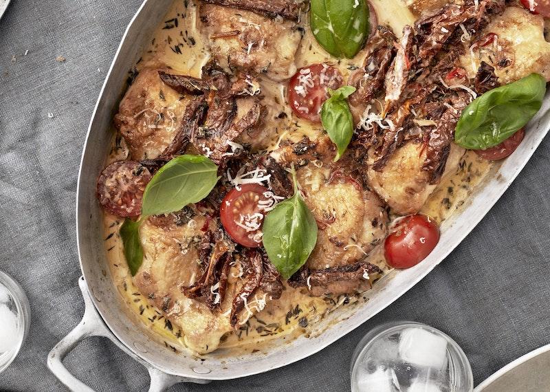Tareq Taylors kycklinggratäng med soltorkade tomater.